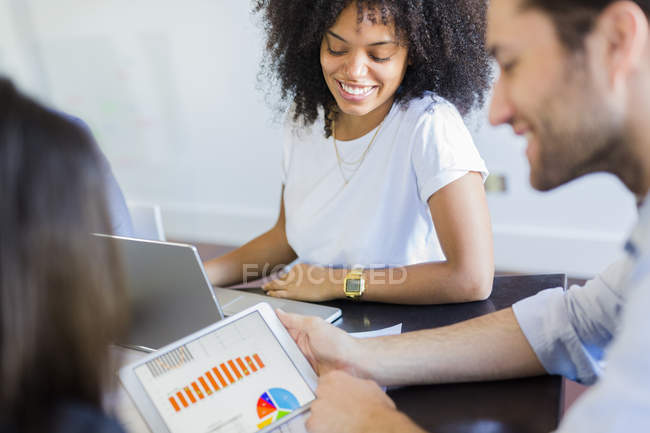 Business people analyzing data — Stock Photo