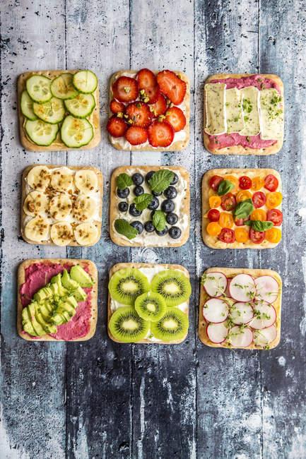 Различные украшенный бутерброды — стоковое фото