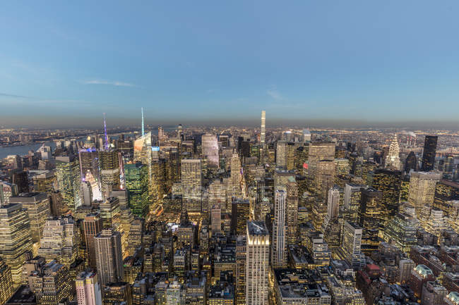 New York City la sera — Foto stock