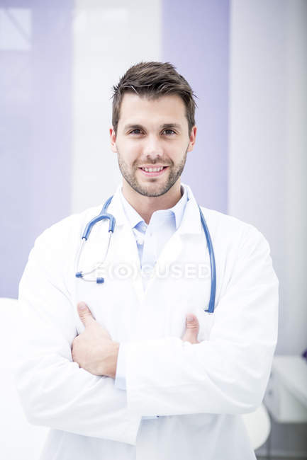 Portrait of smiling doctor — Stock Photo