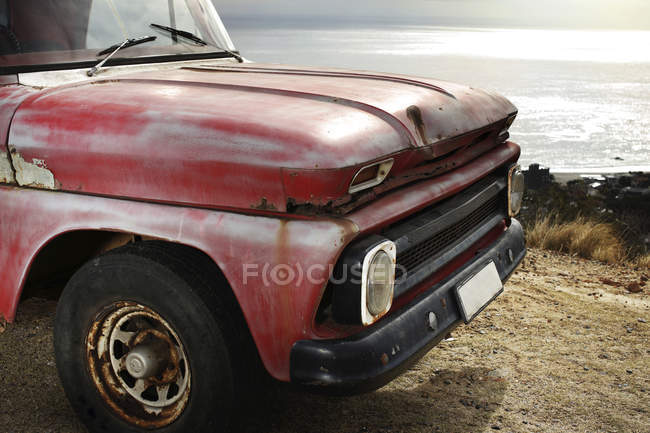 Old pick up truck at the coast — Stock Photo