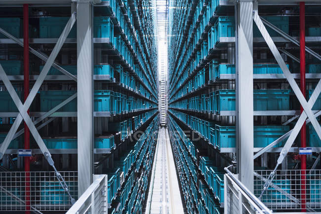 Automatized high rack warehouse — Stock Photo