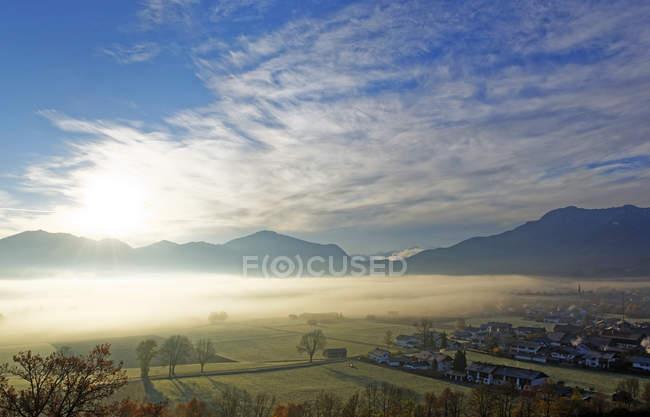 Схід сонця над долиною Loisach — стокове фото