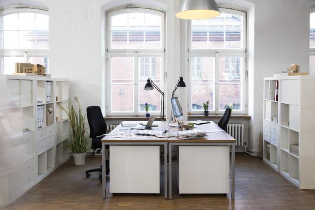 Bureau moderne vide — Photo de stock