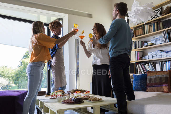 Friends having appetizers — Stock Photo