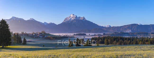 Панорама баварських Альп ранок — стокове фото