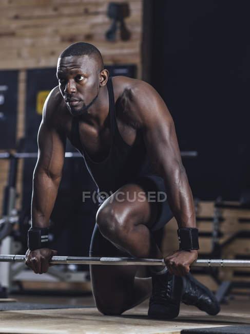 Sportler, die Krafttraining zu tun — Stockfoto