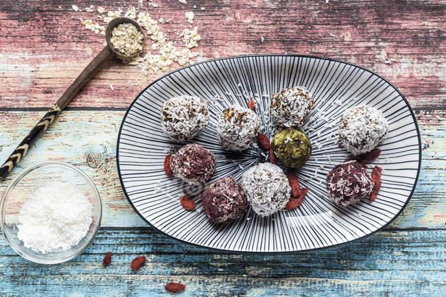 Bliss Balls on platter — Stock Photo
