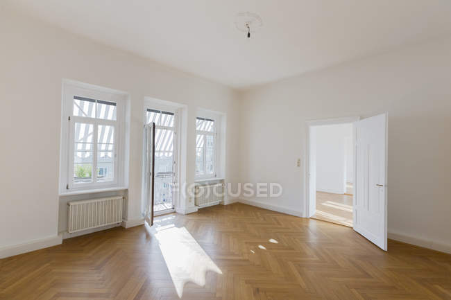 Spacious empty flat — Stock Photo
