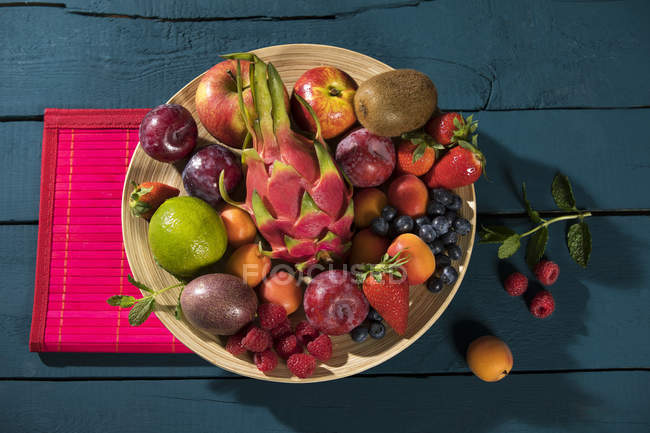 Bowl with various fruits — Stock Photo