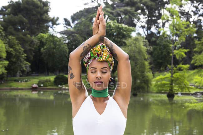 Portrait of woman wearing Brazilian headgear — Stock Photo