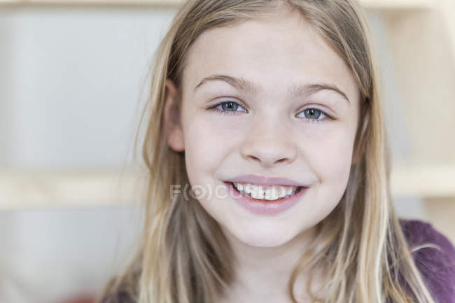 Smiling blond girl — Stock Photo
