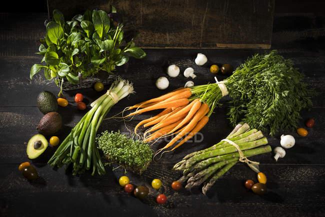 Различные органические овощи — стоковое фото
