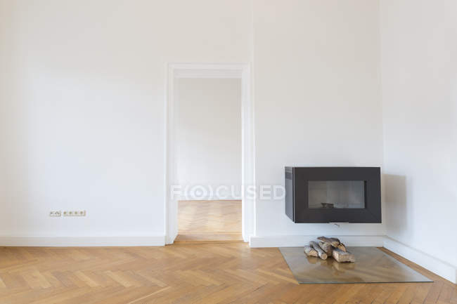 Spacious empty living room — Stock Photo