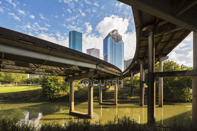 Skyline e Gulf Freeway — Foto stock