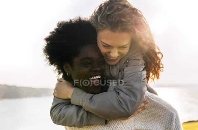 Zwei beste Freundinnen Spaß — Stockfoto