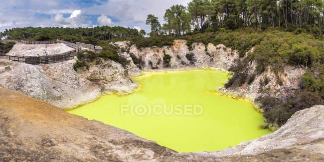 Nouvelle-Zélande, Rotorua, Wai-O-Tapu Thermal Wonderland, bain du diable — Photo de stock