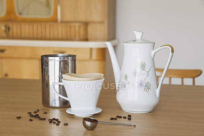 Preparing filter coffee on table — Stock Photo