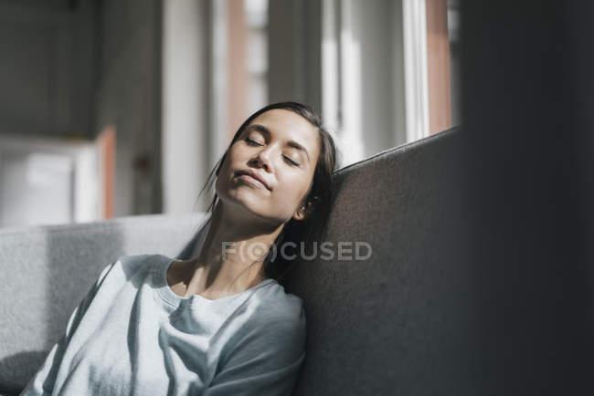 Woman taking nap — Stock Photo