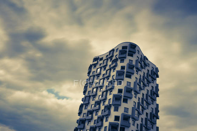 Modern apartment tower, Munich — Stock Photo