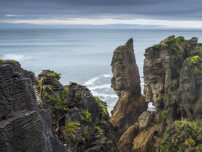 Pancake Rocks coast — Stock Photo