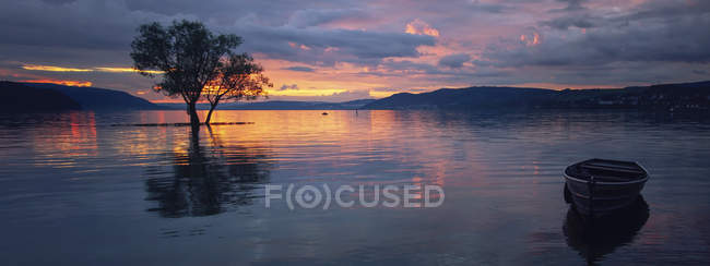 Закат над озером Констанция — стоковое фото