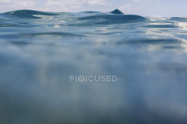 Wave, close-up water surface — Stock Photo
