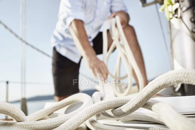 Верёвка на паруснике — стоковое фото