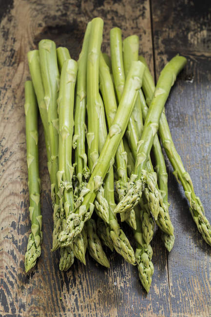 Bunch of green asparagus — Stock Photo