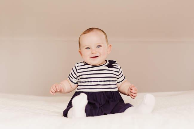 Sorridente bambina — Foto stock