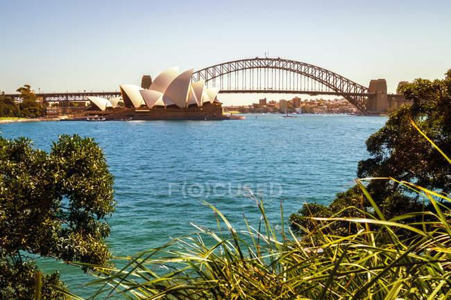 Australia, Sydney, view to Sydney Opera House and Harbour Bridge — Stock Photo