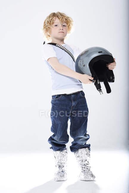 Niño disfrazado de astronauta - foto de stock