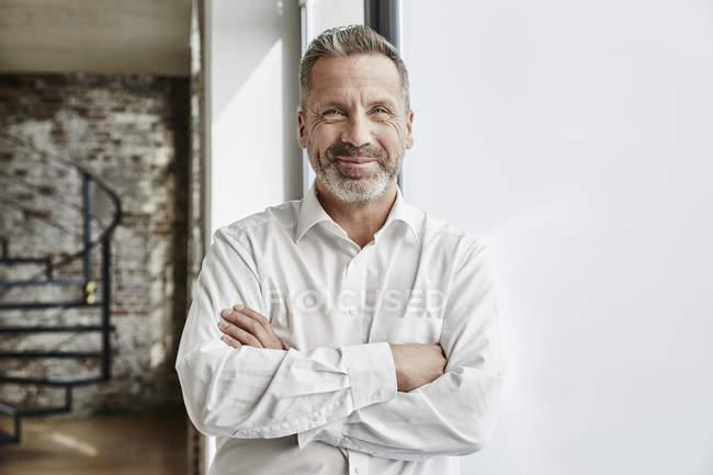 Retrato de empresário confiante — Fotografia de Stock