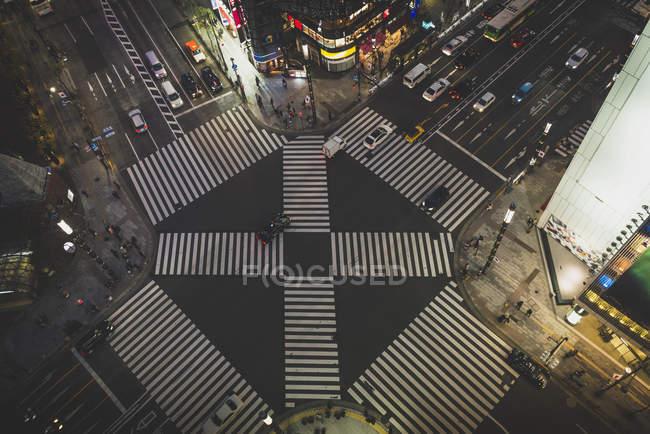 Японії, Токіо, Ginza, Зебра перетину перед Tokyo Плаза — стокове фото