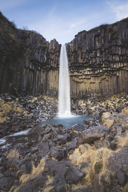 Paesaggio del Parco nazionale di Skaftafell con cascata di svartifoss — Foto stock