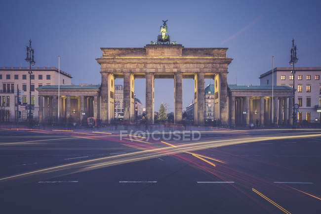 Vue de la porte de brandenburg pendant la journée, berlin, Allemagne — Photo de stock