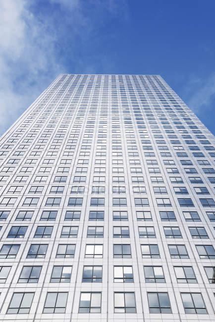 UK, London, high-rise frog-eye view, facade view — Stock Photo