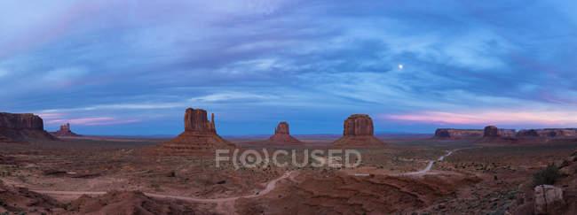 EUA, Estados Unidos da América, Southwest, Colorado Plateau, Utah, Arizona, Navajo Nation Reservation, Monument Valley — Fotografia de Stock