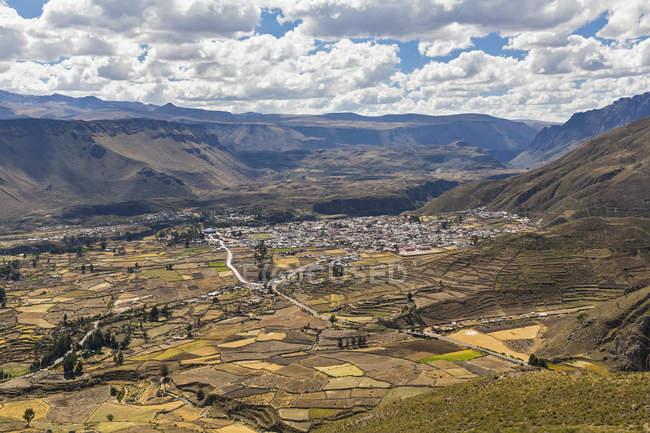 Vue aérienne de Pérou, Andes, des paysages de montagnes pittoresques — Photo de stock