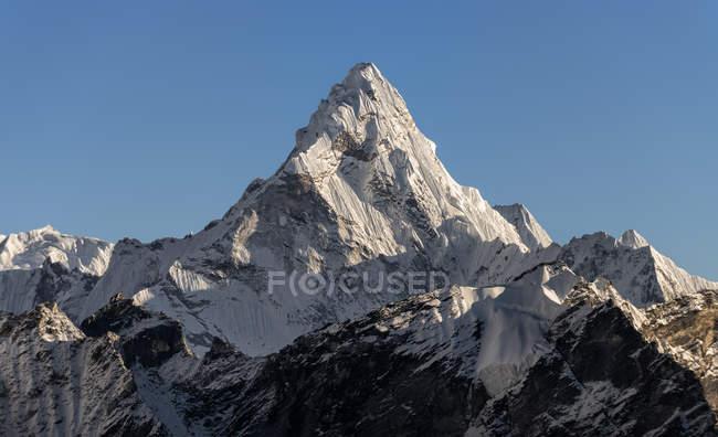Непал, Гімалаї, Кхумбу, Еверест регіон, Ама-Даблам гора денний час — стокове фото