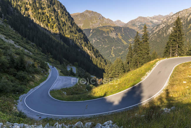 Silvretta Hochalpenstrae, Montafon,  view of empty road during daytime — Stock Photo