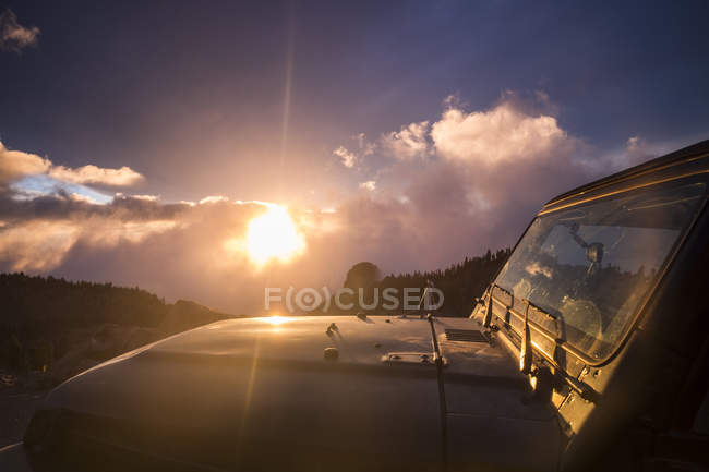 Spain, Tenerife, car in Teide National Park in backlight — Stock Photo