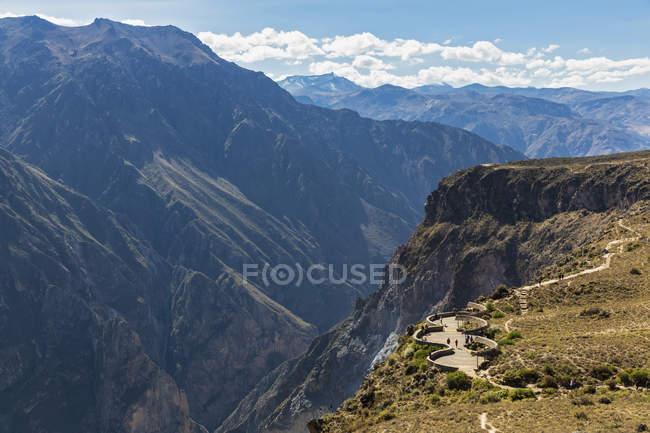 Южная Америка, Перу, Анд, горный ландшафт региона Арекипа — стоковое фото
