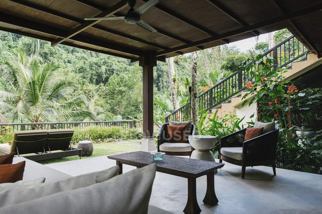 Indonesia, Bali, hotel garden lounge — Stock Photo