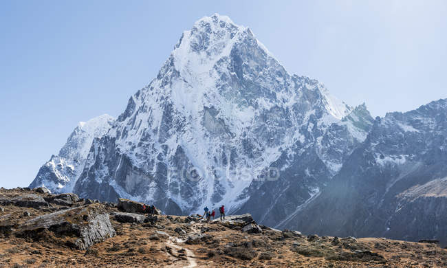 View of rocks with snow during daytime, himalayas — Stock Photo