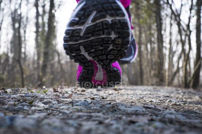 Close-up de sapato de mulher de corrida — Fotografia de Stock