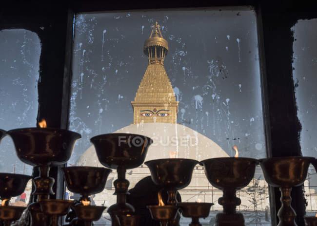 Népal, Katmandou, Bodnath, sanctuaire Stupa, bougies au premier plan — Photo de stock