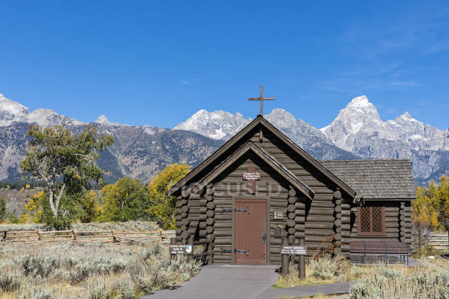 USA, Vereinigte Staaten von Amerika, Wyoming, Rocky Mountains, Teton Range, Grand Teton Nationalpark, Cathedral Group mit den Gipfeln Nez Perce Peak, Middle Teton, Grand Teton, Mount Owen, Kleine Kapelle,