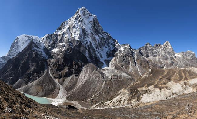 Népal, Himalaya, Khumbu, Everest region, Cho la, Cholatse peak — Photo de stock