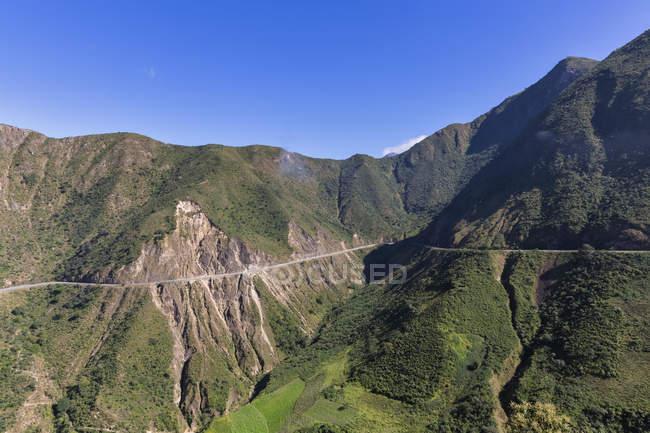 Живописный вид N3 шоссе в Андах Южной Америки, Перу, — стоковое фото
